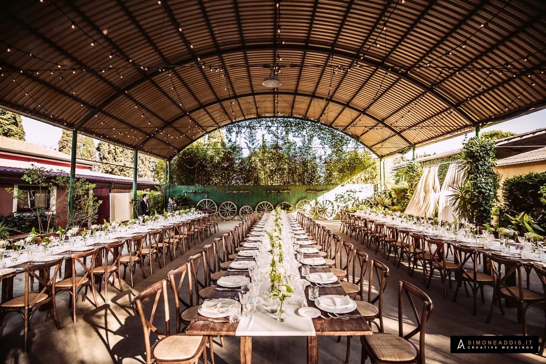 Matrimonio Serra Toscana : Un romantico ricevimento in campagna per un matrimonio elegante in
