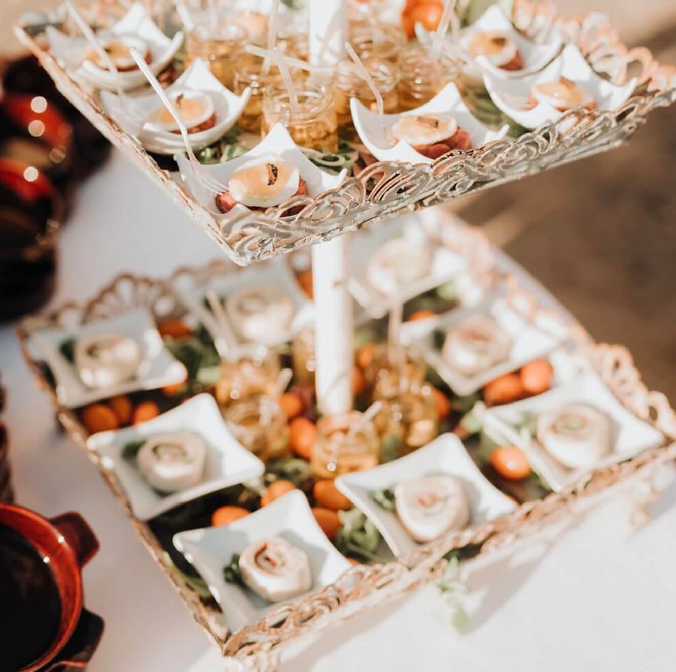 Servizio di catering e banqueting per matrimonio. Toscana Firenze Pisa Chianti Val d'Orcia. Giulia Alessandri Wedding Planner: progettazione e coordinazione matrimoni in Toscana.