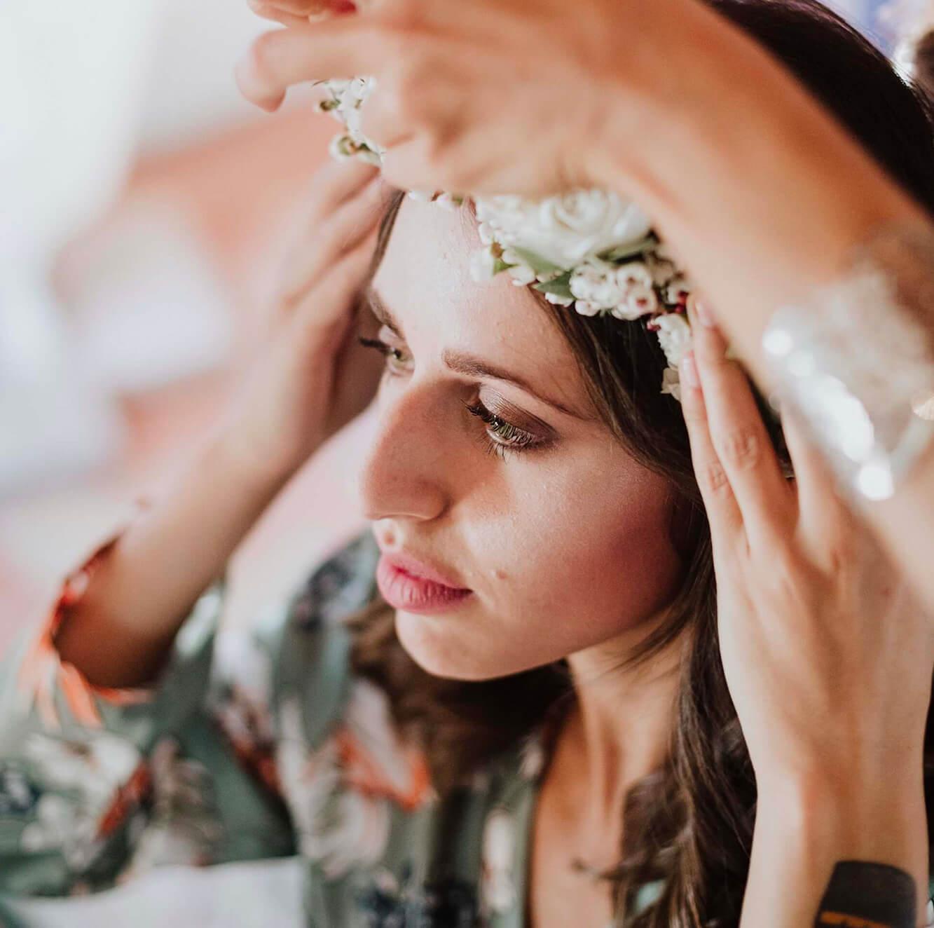 Make-up, trucco e acconciatura per la sposa. Giulia Alessandri Wedding Planner: progettazione e coordinazione matrimoni in Toscana.