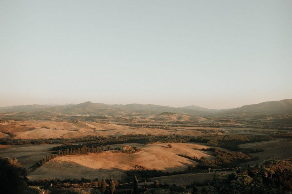 Wedding Planner a Casaglia. Le splendide colline di Casaglia. Giulia Alessandri, Wedding Planner: progettazione e coordinazione matrimoni in Toscana.