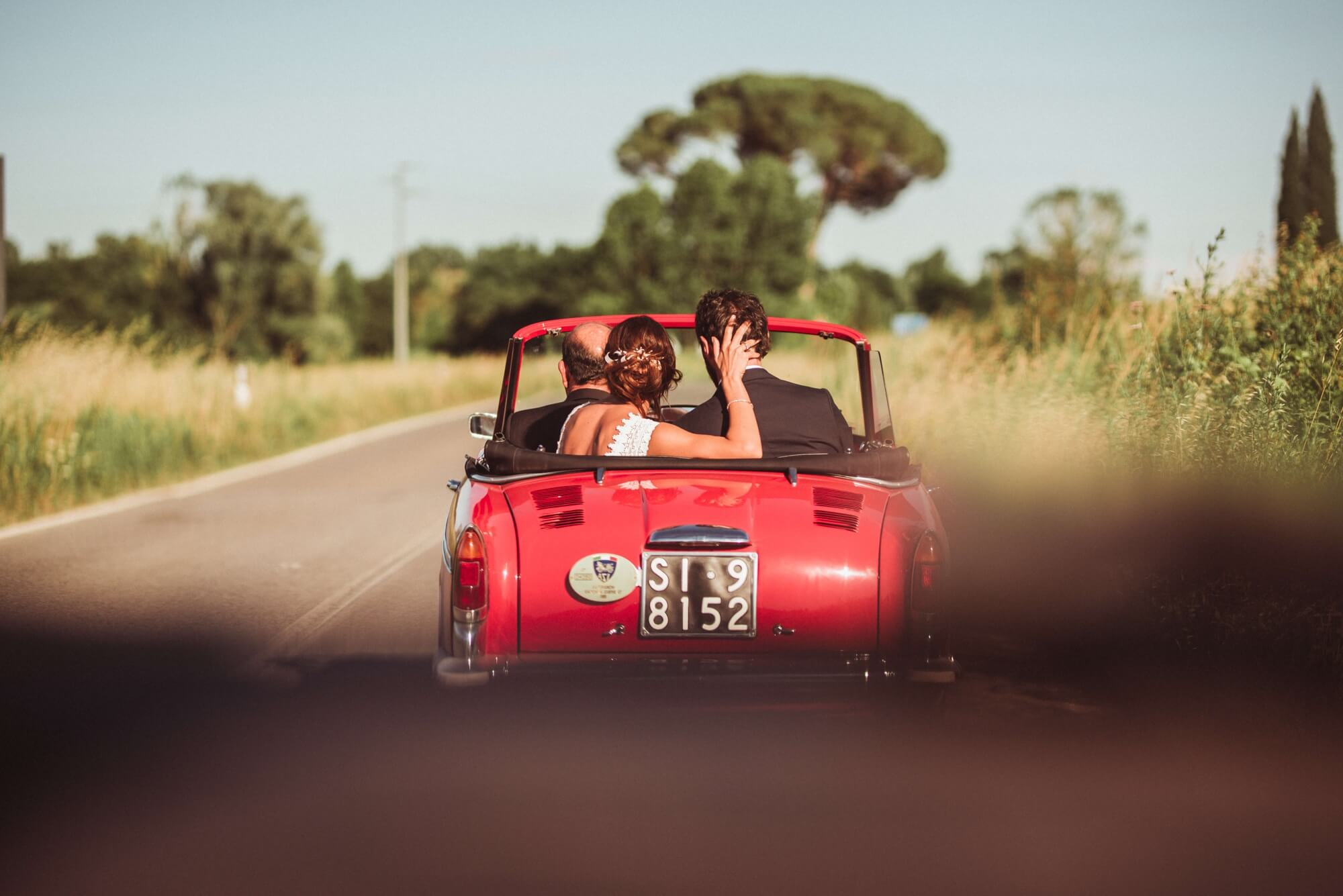 Noleggio auto d'epoca e moderne per matrimonio in Toscana. Giulia Alessandri Wedding Planner: progettazione e coordinazione matrimoni in Toscana.