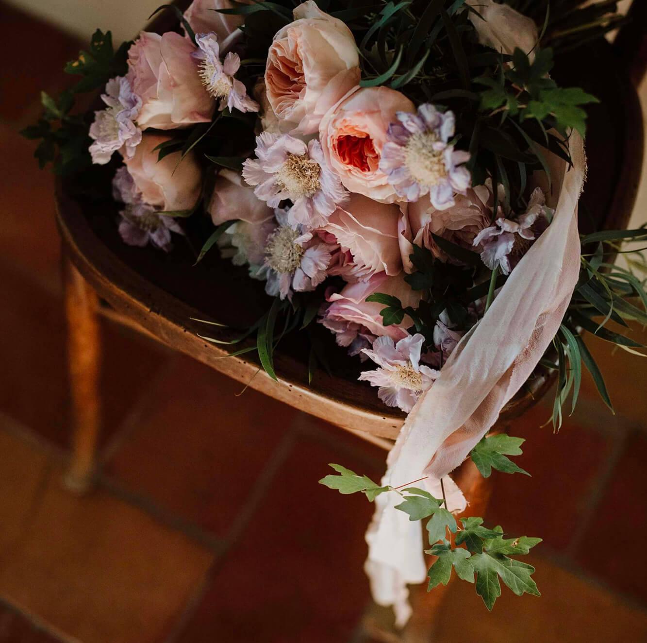 Allestimento floreale per la cerimonia di matrimonio e party in Toscana, Firenze, Pisa, Siena. Giulia Alessandri Wedding Planner: progettazione e coordinazione matrimoni in Toscana.
