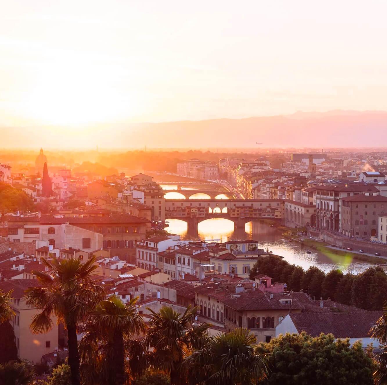 Sposarsi a Firenze, suggestive location e dimore antiche. Giulia Alessandri Wedding Planner: progettazione e coordinazione matrimoni in Toscana.