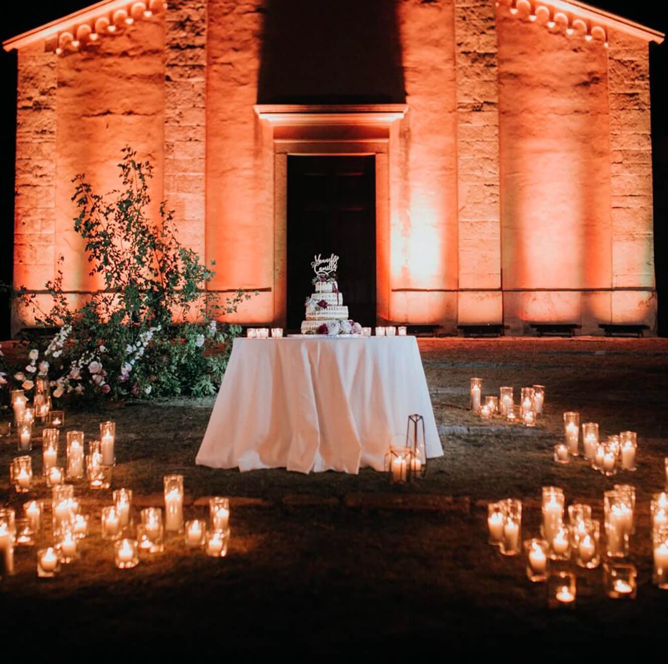 Creazioni artistiche di light design per matrimoni in  Toscana. Giulia Alessandri Wedding Planner: progettazione e coordinazione matrimoni in Toscana.