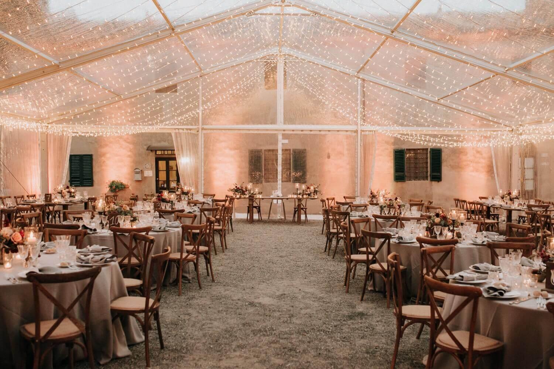 Creazioni artistiche di light design per matrimonio. Toscana, Firenze, Pisa, Lucca. Giulia Alessandri Wedding Planner: progettazione e coordinazione matrimoni in Toscana.