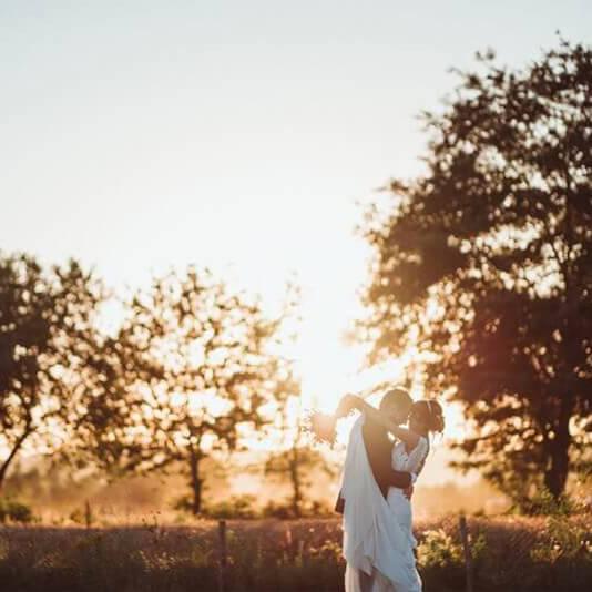 Fotografi professionisti e videomaker per il Servizio fotografico di matrimonio in Toscana. Giulia Alessandri Wedding Planner: progettazione e coordinazione matrimoni in Toscana.