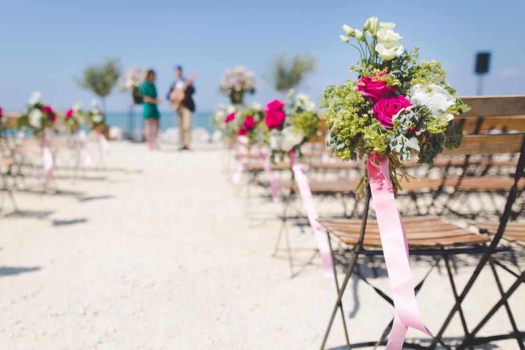 Matrimonio in spiaggia in Toscana. Giulia Alessandri Wedding Planner: progettazione e coordinazione matrimoni in Toscana.