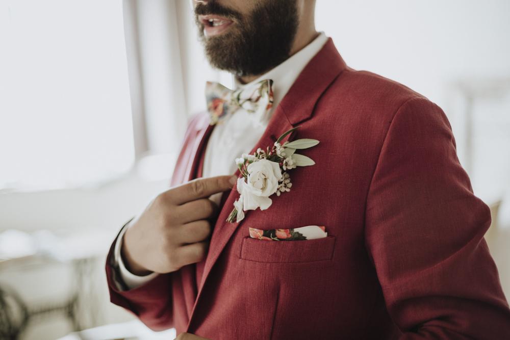 Bottoniera: alcuni consigli su come indossarla